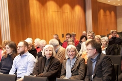 Ein interessierte Publikum folgte in der Stadthalle Singen aufmerksam dem Vortrag zum Leben im Hegau während des ersten Weltkriegs.