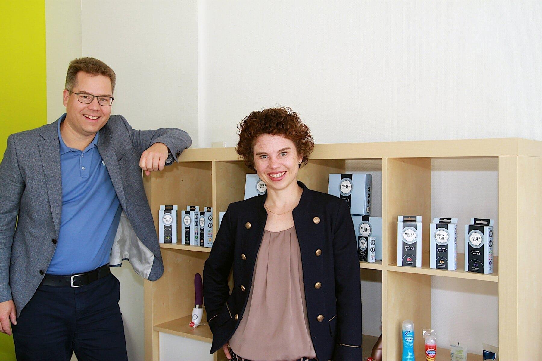"""""""Gute Stimmung ist uns wichtig"""", sagen die Vinergy-Geschäftsführer Jan Vinzenz und Eva Krause (v.l.n.r.). Denn begeisterte Mitarbeiter seien die besten Botschafter für Unternehmen, auch auf dem Arbeitsmarkt, sind sich die beiden sicher."""